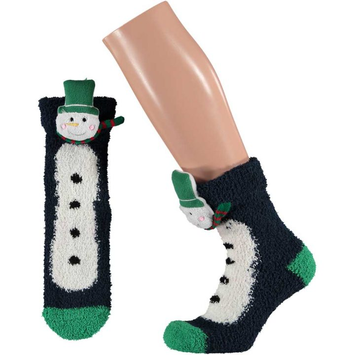Aikuisten pörröiset sukat, joissa hauska jouluinen hahmo. Koko: One size. Malli: Lumiukko.
