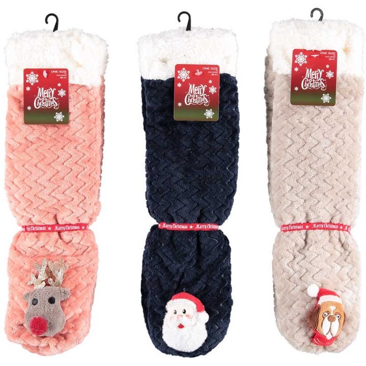 Soft adults christmas socks with cute christmas character on front. One size. All models: Reindeer, Santa, Dog.