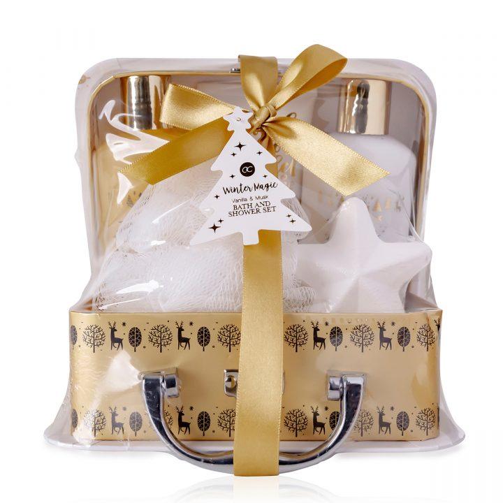 Kylpysetti paperisessa lahjapakkauksessa, sisältää 100 ml suihkugeeli, 100 ml vartalovoide, 100g kylpysuola, 40g saippua, 30 ml vartalovoide, tuoksu: vanilja & myski.